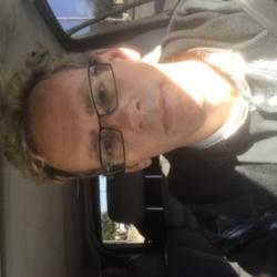 Robert, 44 from Texas
