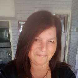 Birute is looking for singles for a date