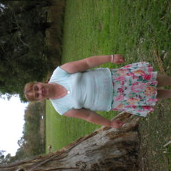 Deanne is looking for singles for a date