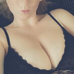 Courtney (23)