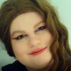 Jade is looking for singles for a date