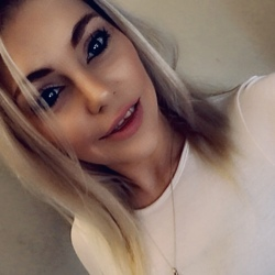 Anniebelle is looking for singles for a date