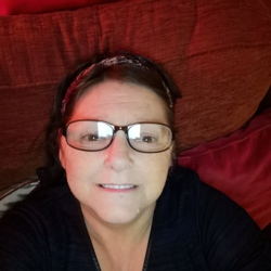 Lynette is looking for singles for a date