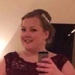 Lyndsey (28)