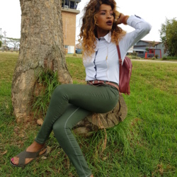 Mamarsita is looking for singles for a date