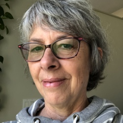 Dianne is looking for singles for a date