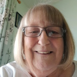 Nannygreen is looking for singles for a date