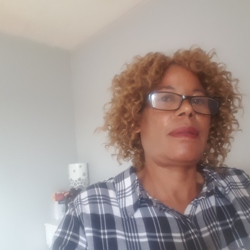 Itayi is looking for singles for a date