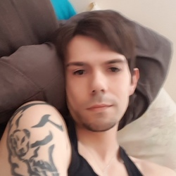 Andrew, 32 from Manitoba