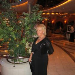 Cindy is looking for singles for a date