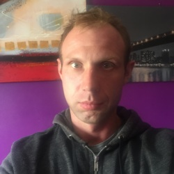 Marcin is looking for singles for a date