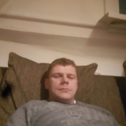 Piotr is looking for singles for a date