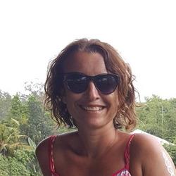 Tania (44)