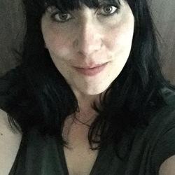 Alison (43)