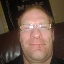 Hillyone is looking for singles for a date